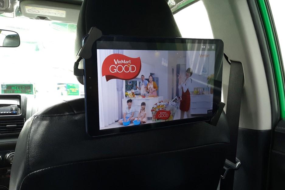 Siêu thị Vinmart quảng cáo màn hình Lcd trong xe ô tô tại Hà Nội và Hồ Chí Minh